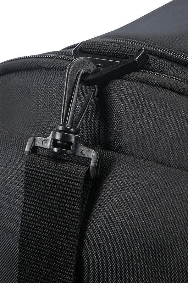 American Tourister Road Quest Sportsbag, View 2